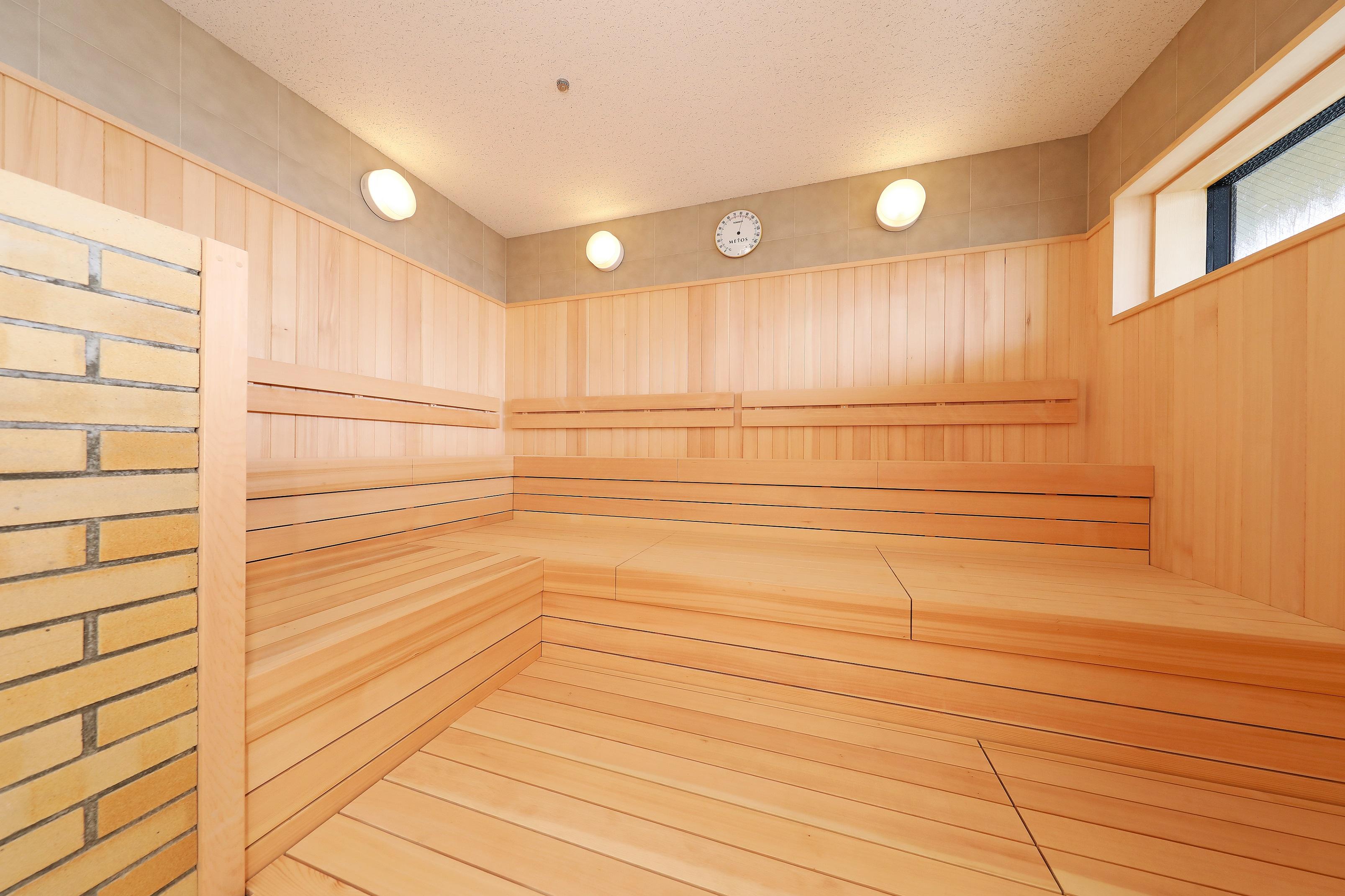 """箱根外輪山の絶景を眺める極上の外気浴とサウナで""""ととのう""""体験"""
