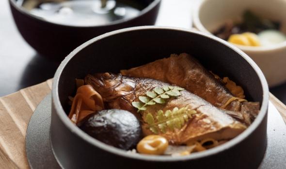 箱根の絶景とともに味わう釜飯ランチ