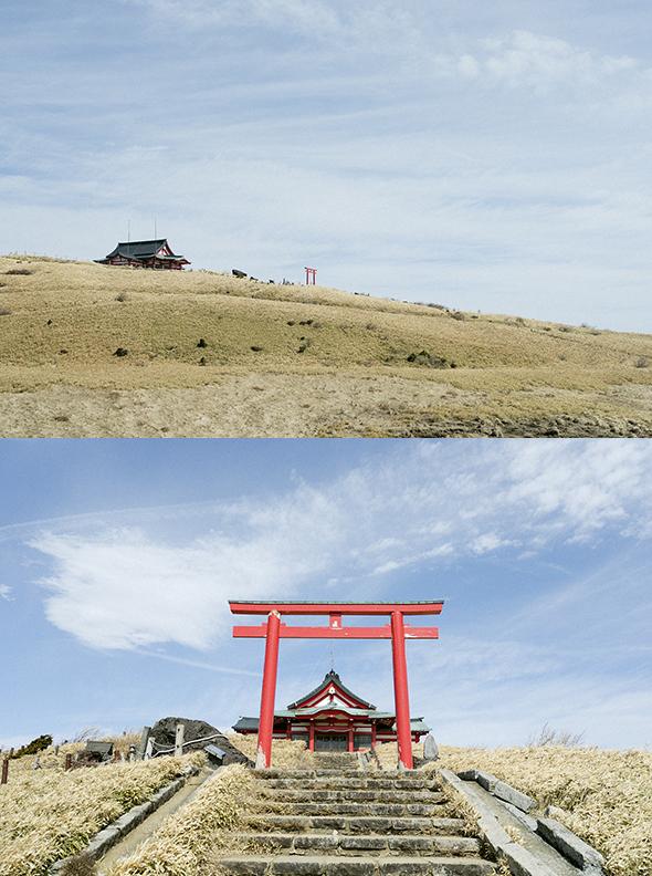 ロープウェーに乗って、天空の神社「箱根元宮」へ。