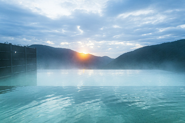 翌朝はインフィニティ温泉で余韻に浸る